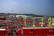 Ferrari Parkplatz auf dem Oldtimer GP